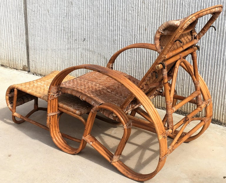 20th Century Adjustable Bentwood and Rattan Chaise Longue with Ottoman For Sale 7