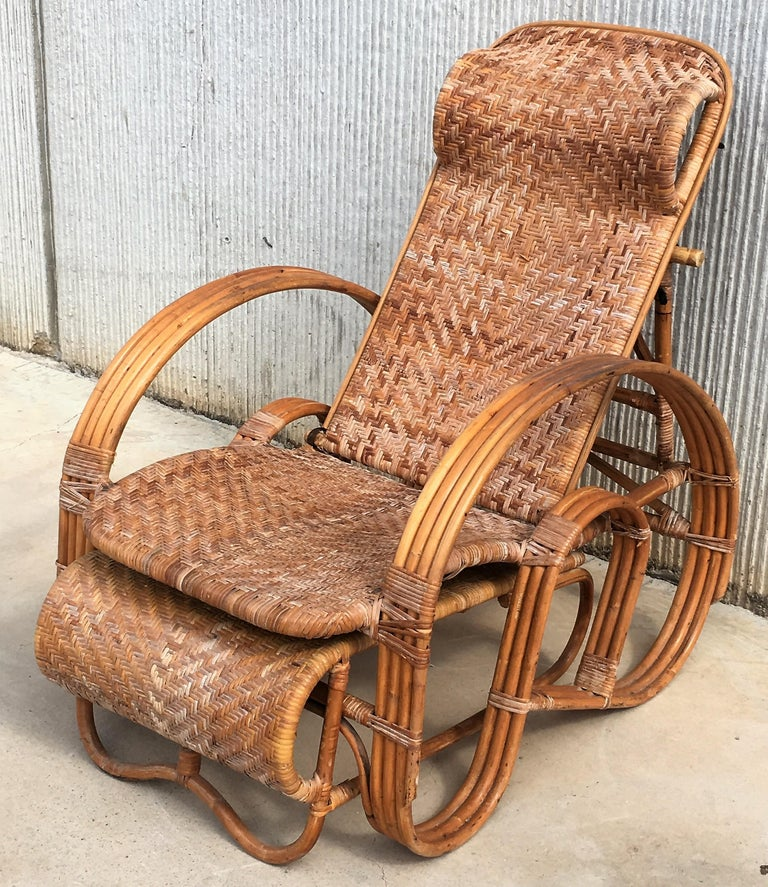 Mid-Century Modern 20th Century Adjustable Bentwood and Rattan Chaise Longue with Ottoman For Sale