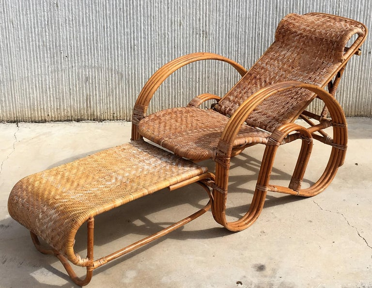 20th Century Adjustable Bentwood and Rattan Chaise Longue with Ottoman For Sale 1