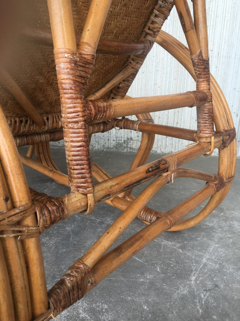 20th Century Adjustable Bentwood and Rattan Chaise Longue  with Ottoman Inserted For Sale 5