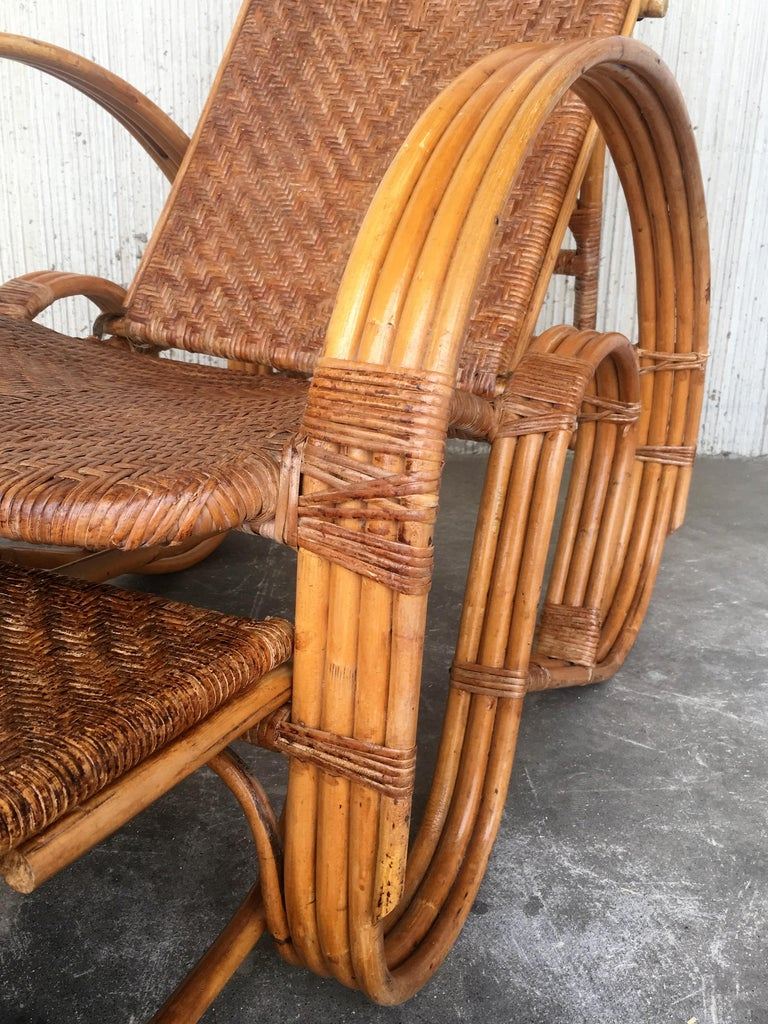 20th Century Adjustable Bentwood and Rattan Chaise Longue  with Ottoman Inserted For Sale 2