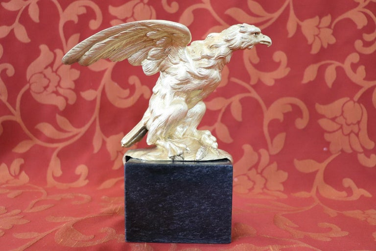 Beautiful sculpture in gilded bonze made in America years, circa 1940s. Fine figure of eagle on marble base.