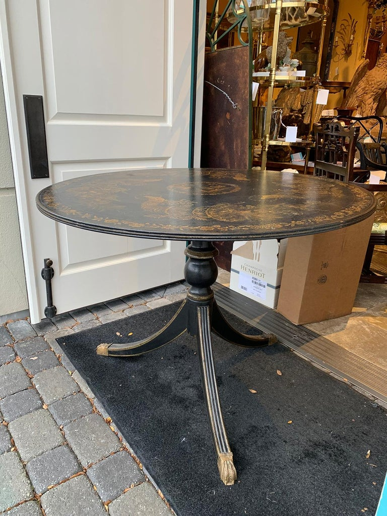 20th Century American Federal Style Painted Pedestal Table 15