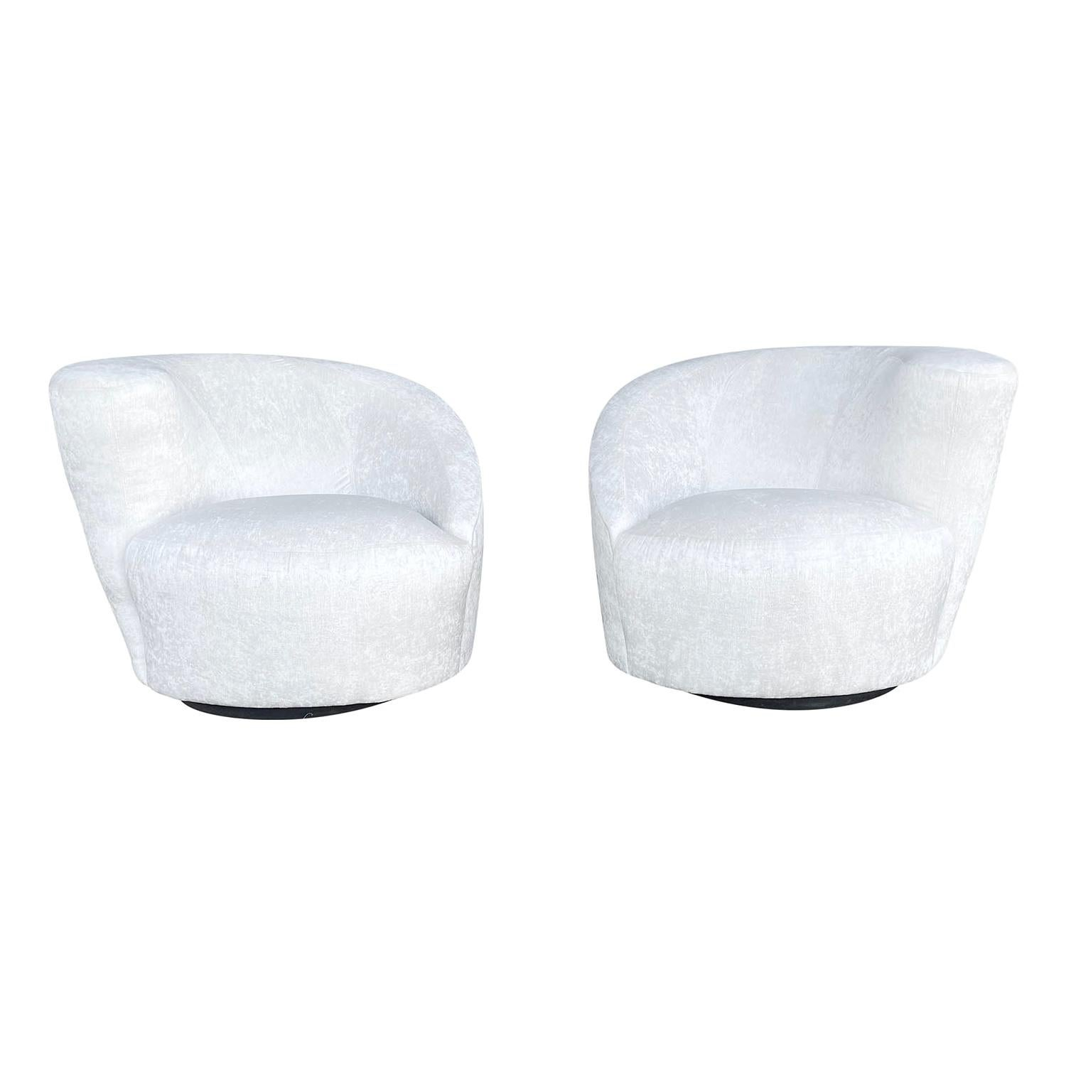 20th Century American Pair of Nautilus Swivel Chairs by Vladimir Kagan
