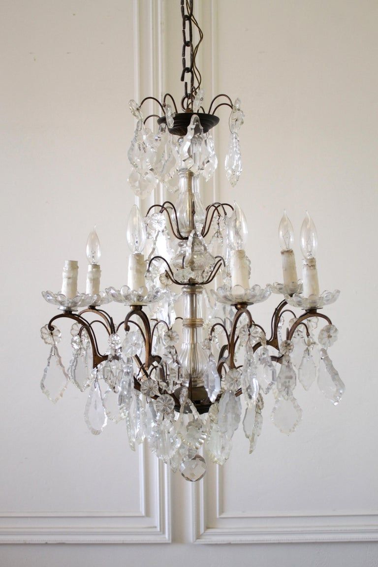 European 20th Century Antique Brass and Crystal Chandelier For Sale - 20th Century Antique Brass And Crystal Chandelier For Sale At 1stdibs