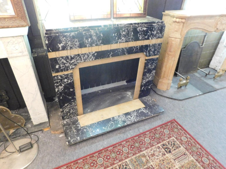 20th Century Antique Fireplace in Black Portoro Marble and Siena Yellow Art Deco In Good Condition For Sale In Cuneo, Italy