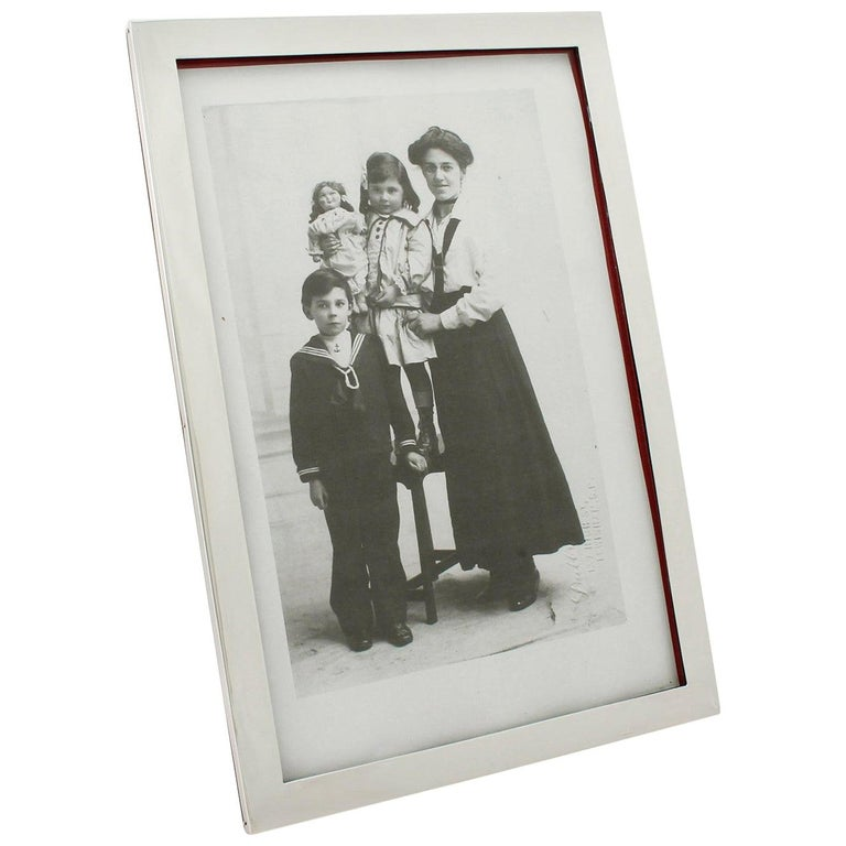 20th Century Antique George V Sterling Silver Photograph Frame For Sale