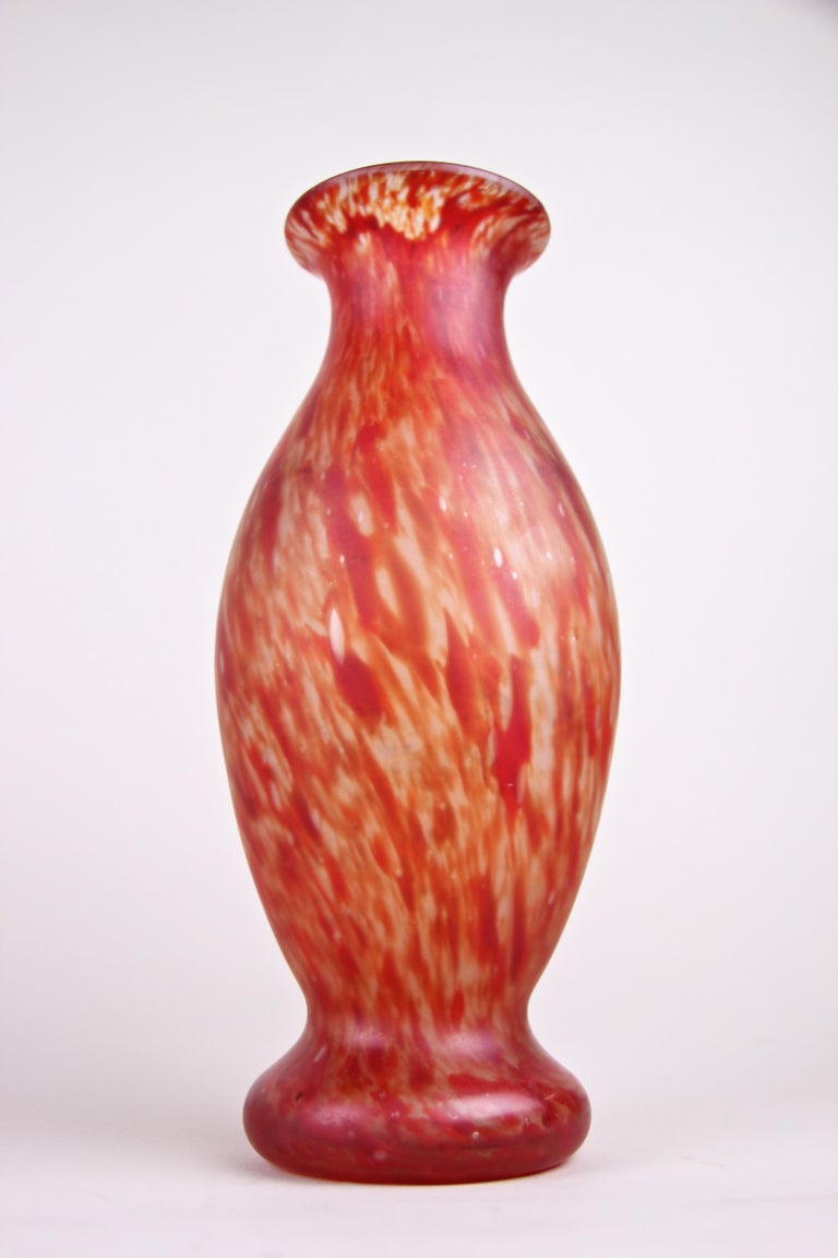 20th Century Art Nouveau Glass Vases, France, circa 1900 For Sale 4