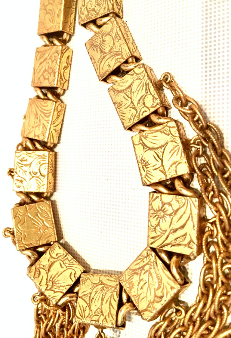Women's or Men's 20th Century Art Nouveau Gold Book Chain Choker Style Necklace & Earrings S/3 For Sale