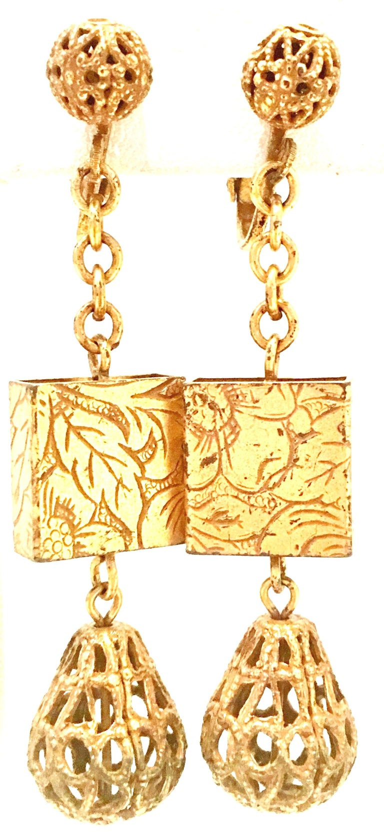 20th Century Art Nouveau Gold Book Chain Choker Style Necklace & Earrings S/3 For Sale 5
