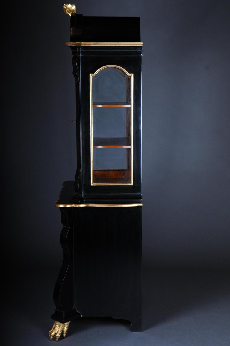 20th Century Baroque-Style Designer Display Cabinet, Black / Gold For Sale 4