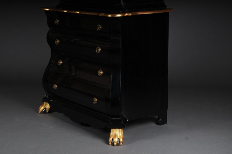 20th Century Baroque-Style Designer Display Cabinet, Black / Gold For Sale 7
