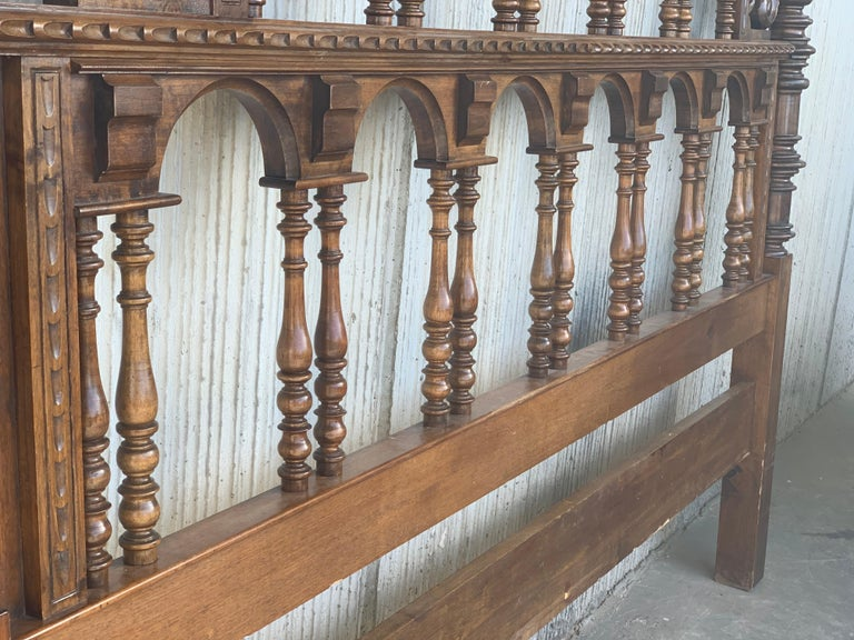 20th Century Baroque Style King Size Headboard in Carved Walnut For Sale 6