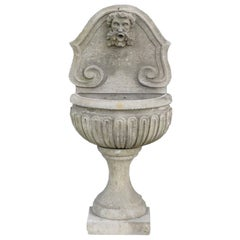 20th Century Baroque Style Petit Italian Fountain in Hand Carved Limestone