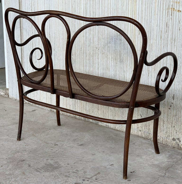 20th Century Bentwood Sofa in the Thonet Style, circa 1925, Caned Seat In Good Condition For Sale In Miami, FL
