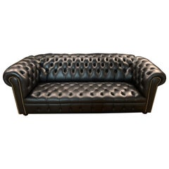 Exclusiv Black Leather Chesterfield Sofa with Button Down Seat from Wilmowski