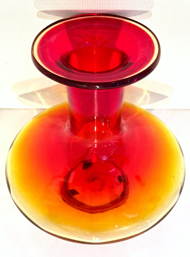 20th Century Blenko Style Blown Art Glass Amberina Optic Decanter & Stopper For Sale 2