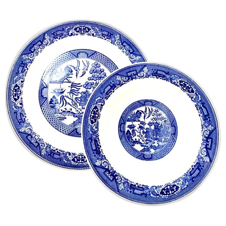 """20th Century """"Blue Willow"""" Serving Pieces Set of 2 by, Royal China For Sale"""