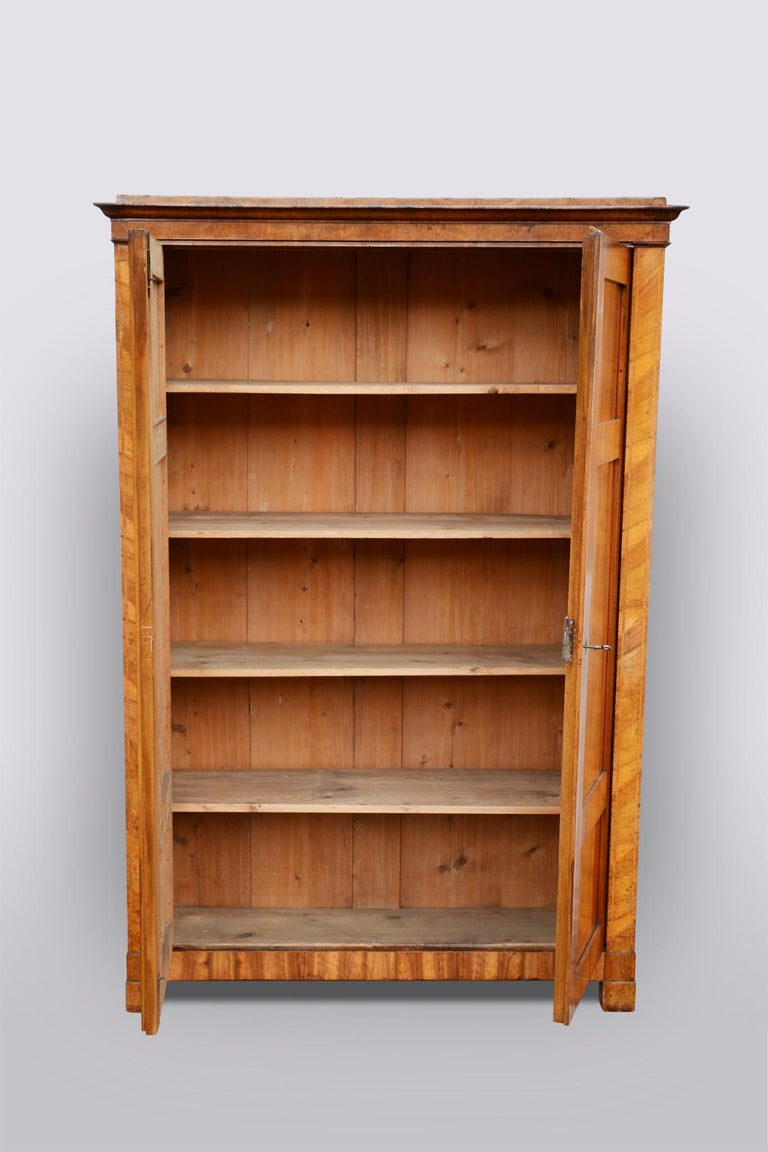 20th Century Bohemian Biedermeier Walnut Wardrobe Cabinet, Restored, 1920s In Good Condition In Prague 1, CZ
