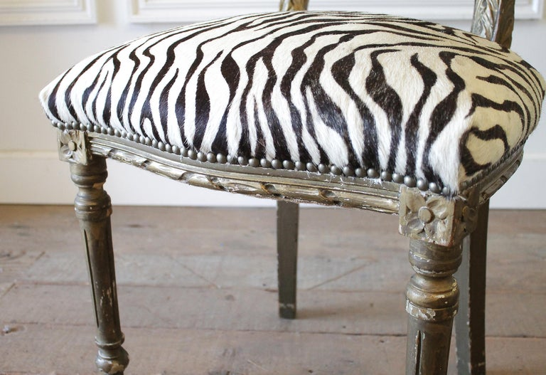 20th Century Carved Giltwood Zebra Upholstered Louis XVI Style Chairs For Sale 1