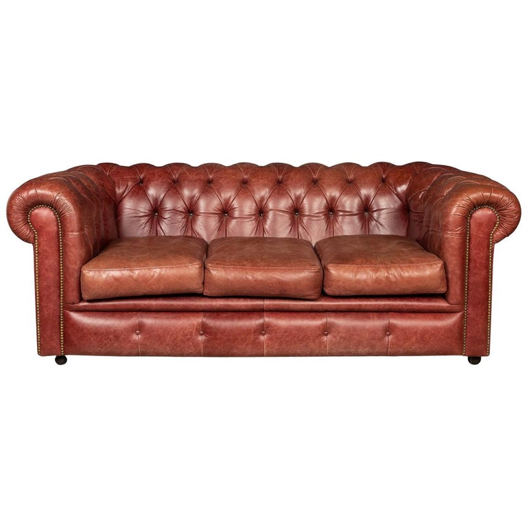 20th Century Chesterfield Leather Sofa With Button Down Seat For Sale
