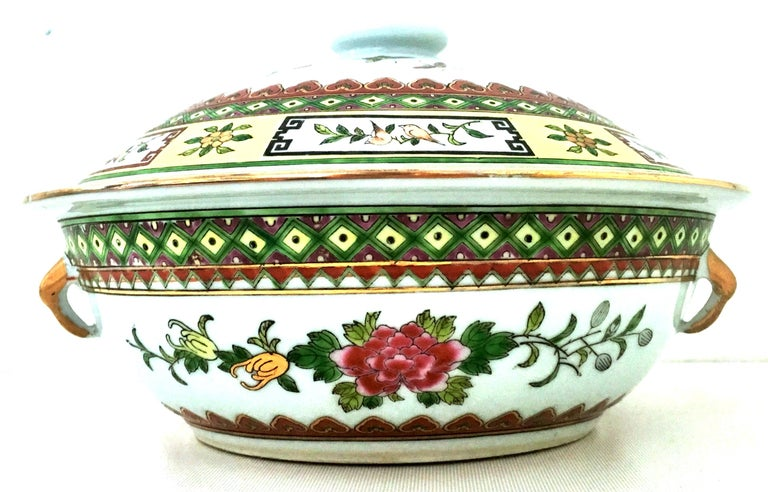 20th Century Chinese Export hand-painted enamel and 22-karat gold lidded tureen. This lovely