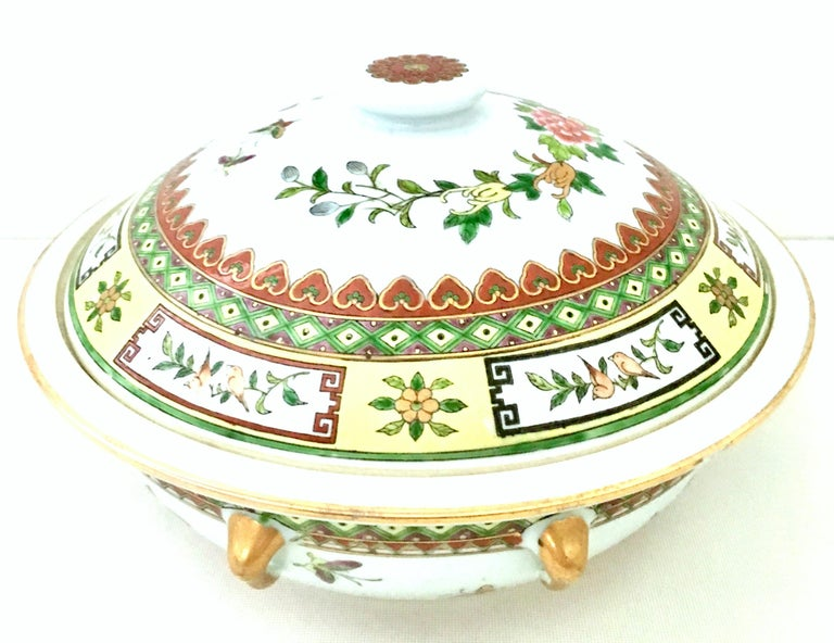 Asian 20th Century Chinese Export Hand-Painted Porcelain Enamel & Gold Lidded Tureen For Sale