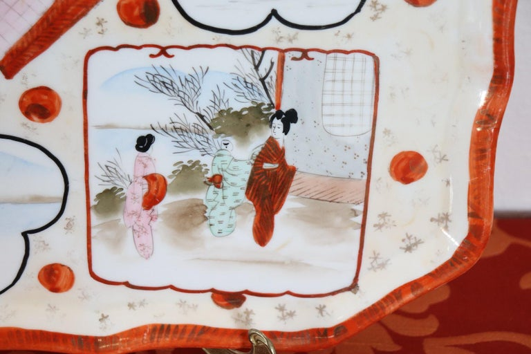 Early 20th Century 20th Century Chinese Hand Painted Ceramic Plate or Tray For Sale