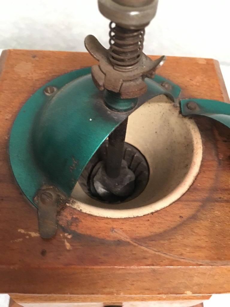 20th Century Coffee Grinder, Spain In Excellent Condition For Sale In Miami, FL