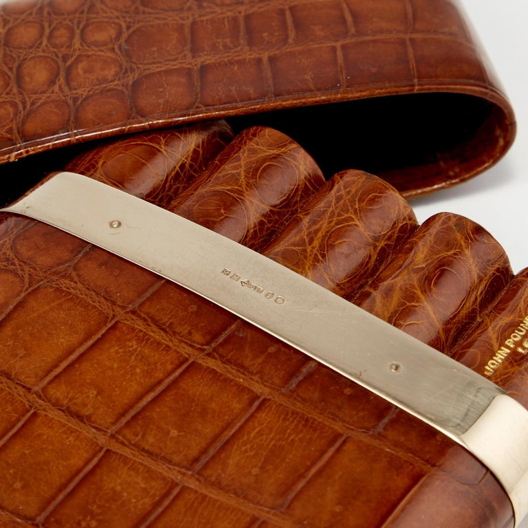 British 20th Century Crocodile Cigar Case with 9-Carat Gold Band London, circa 1915 For Sale