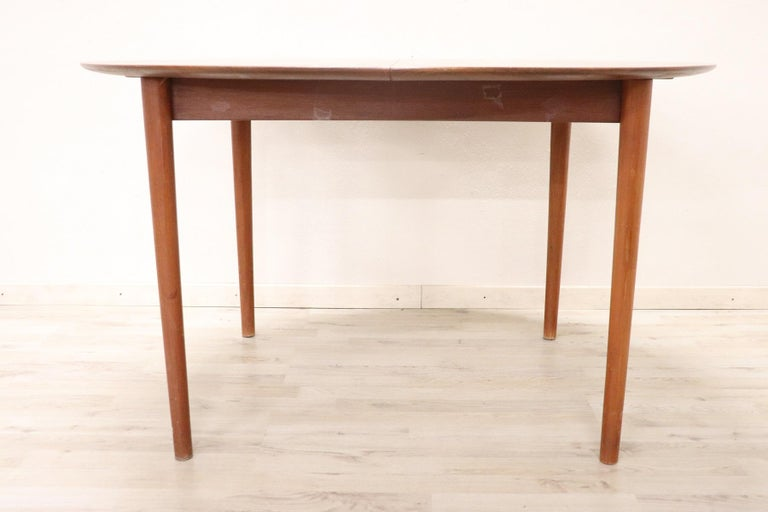 20th Century Design Dining Table by Peter Hvidt for Søborg in Teak, 1950s For Sale 4