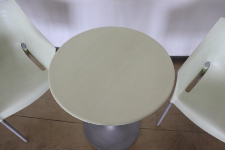 Italian 20th Century Design Table and Chairs by Philippe Starck for Kartell, 1990s For Sale