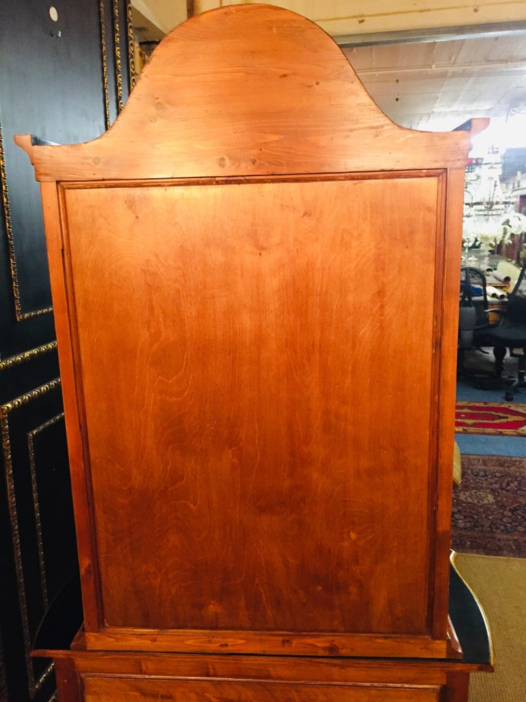 20th Century, Display Cabinet in Dutch Baroque Style Maple Root Veneer For Sale 11