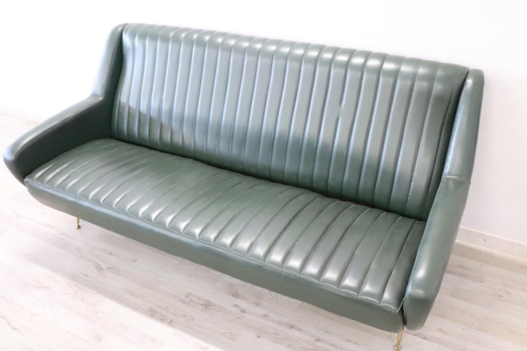 20th Century English Design Green Leather Living Room Set or Salon Suite, 1970s For Sale 9