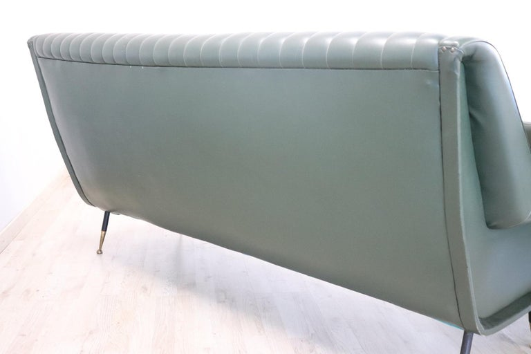 20th Century English Design Green Leather Living Room Set or Salon Suite, 1970s For Sale 12