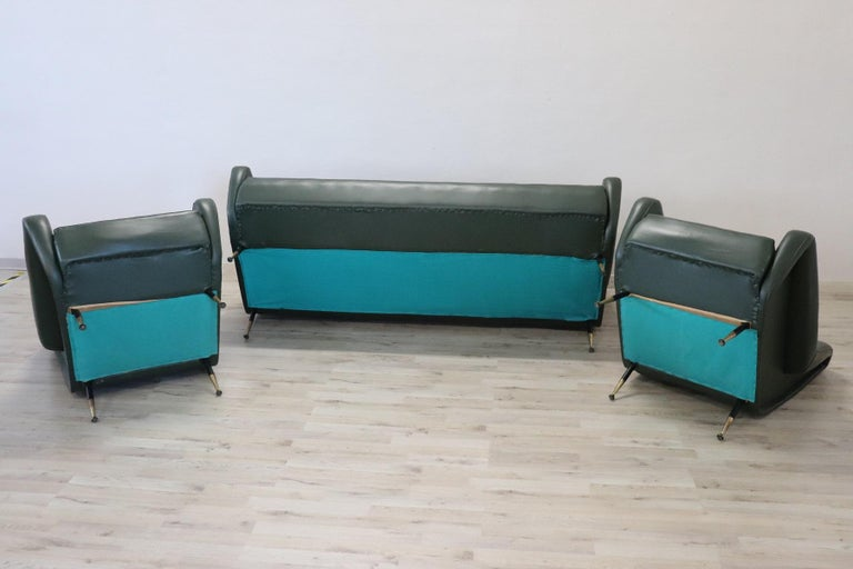 20th Century English Design Green Leather Living Room Set or Salon Suite, 1970s For Sale 14