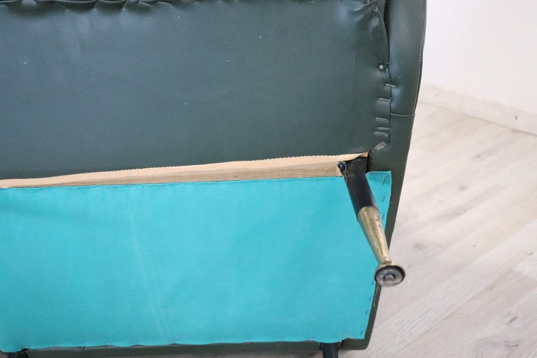 20th Century English Design Green Leather Living Room Set or Salon Suite, 1970s For Sale 15