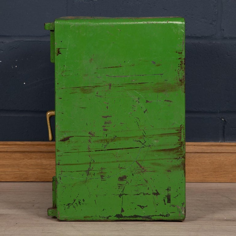 20th Century English Fire Proof Safe, circa 1930 In Fair Condition For Sale In London, London