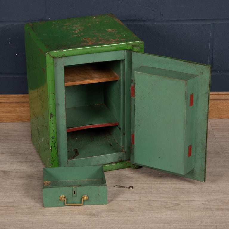 20th Century English Fire Proof Safe, circa 1930 For Sale 3
