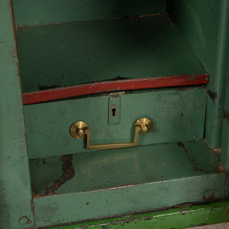 20th Century English Fire Proof Safe, circa 1930 For Sale 5
