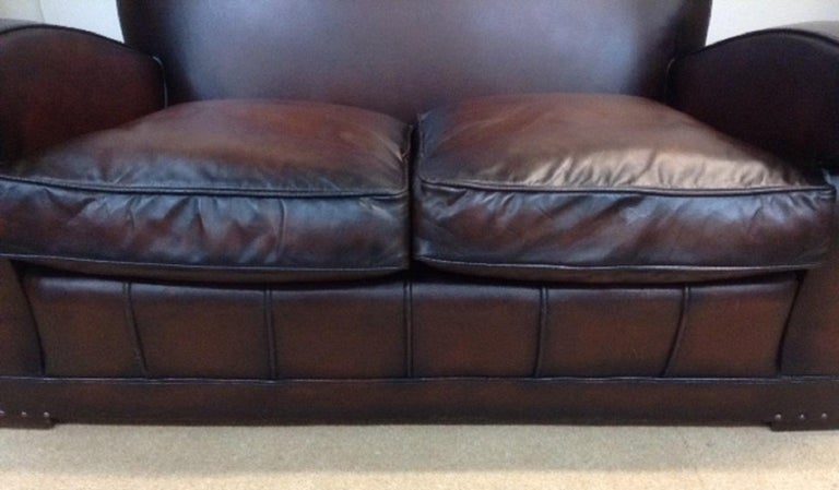 20th Century English Vintage Leather Couch For Sale 1