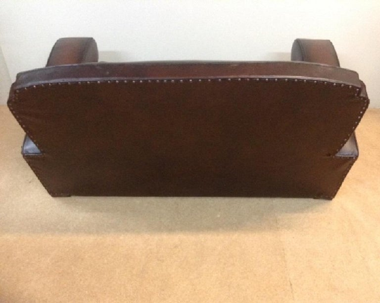 20th Century English Vintage Leather Couch For Sale 4