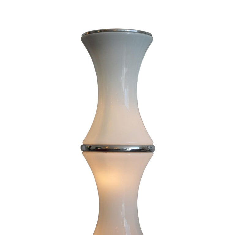20th Century Enrico Tronconi Pair of Floor Lamp model Bamboo in Opaline Glass In Fair Condition For Sale In Turin, IT