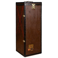 """20th Century Extremely Rare Louis Vuitton """"Male Penderie"""" Trunk, circa 1910"""