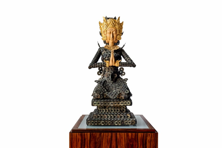 Indonesian 20th Century Figurative Dewi Sri Statue Qing Dynasty Copper Coins and Gold Wood For Sale