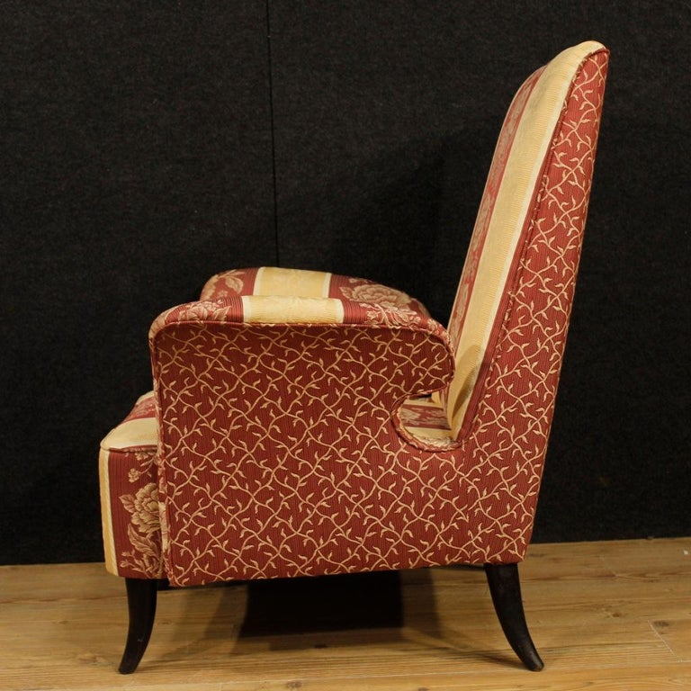 20th Century Floral Fabric and Wood Italian Ulrich Style Design Armchair, 1950 For Sale 7