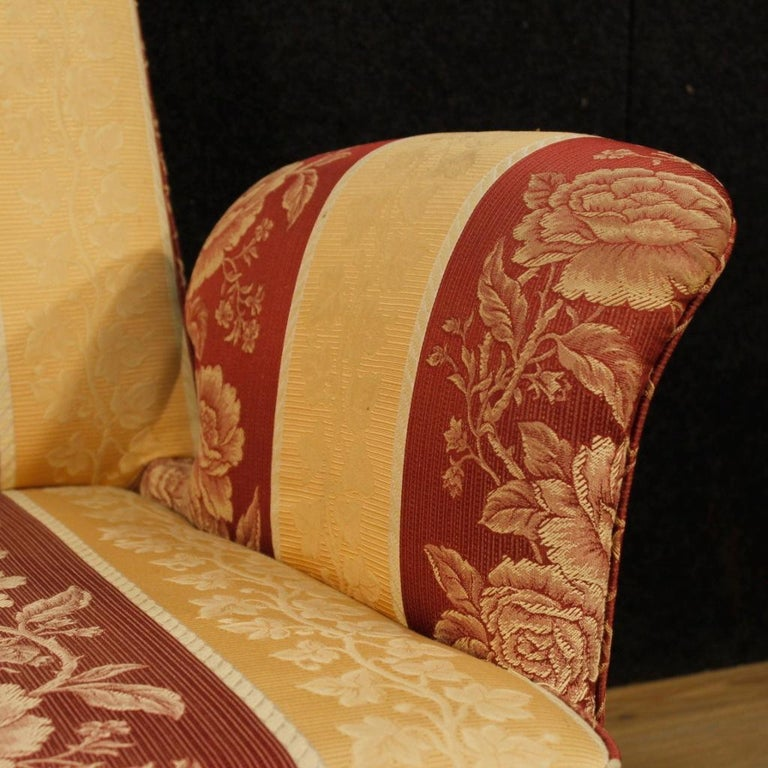 20th Century Floral Fabric and Wood Italian Ulrich Style Design Armchair, 1950 For Sale 1