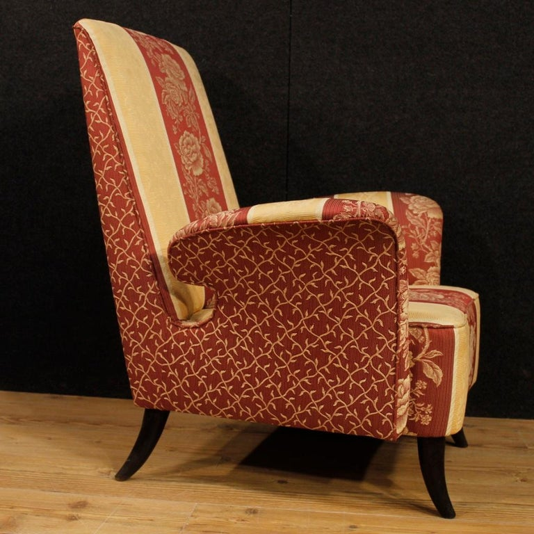 20th Century Floral Fabric and Wood Italian Ulrich Style Design Armchair, 1950 For Sale 2