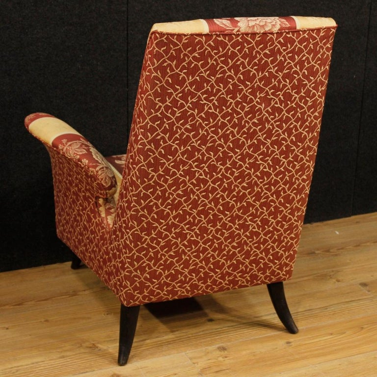 20th Century Floral Fabric and Wood Italian Ulrich Style Design Armchair, 1950 For Sale 3