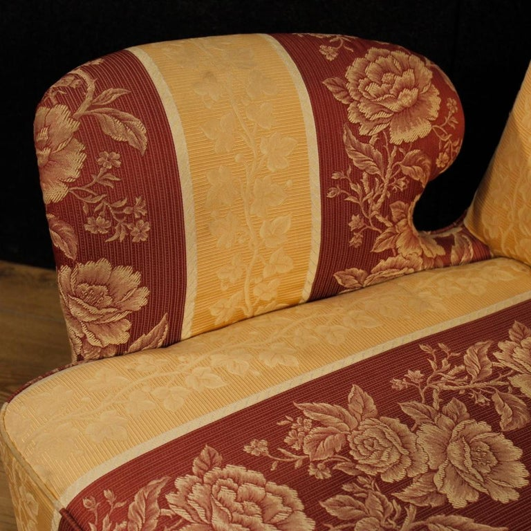 20th Century Floral Fabric and Wood Italian Ulrich Style Design Armchair, 1950 For Sale 5